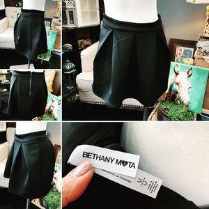 Bethany Mota Thick Black Polyester Mini Skirt Sz M